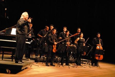 Toledo apresenta Maestro João Carlos Martins
